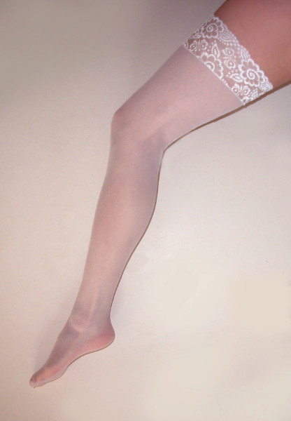 Sheer Lace Top Seamed Stocking